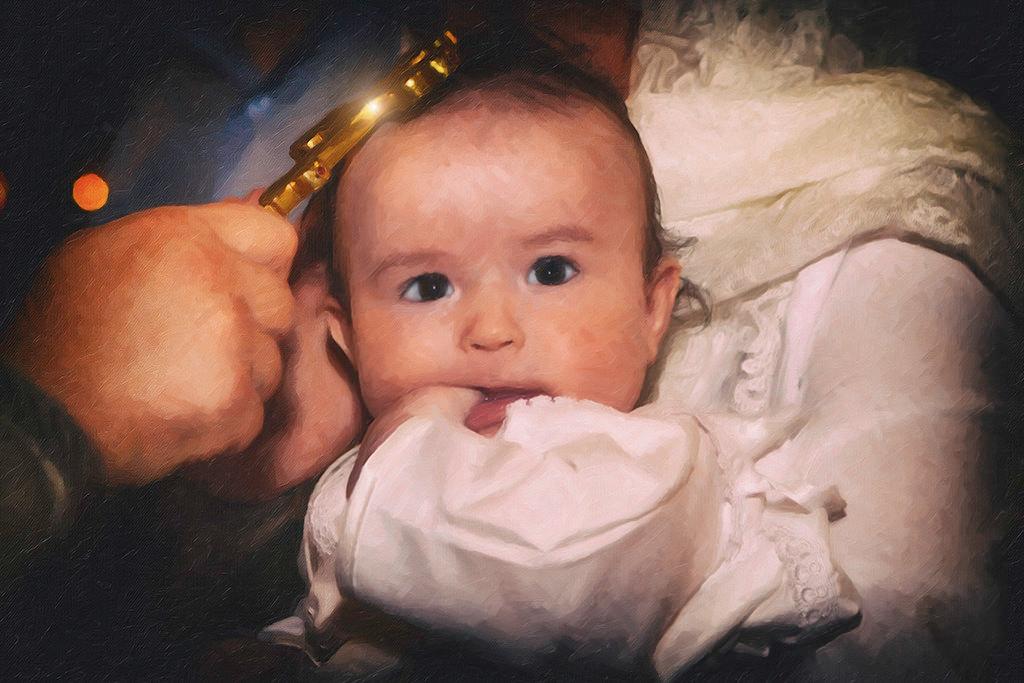 Крещение малыша, новорожденного