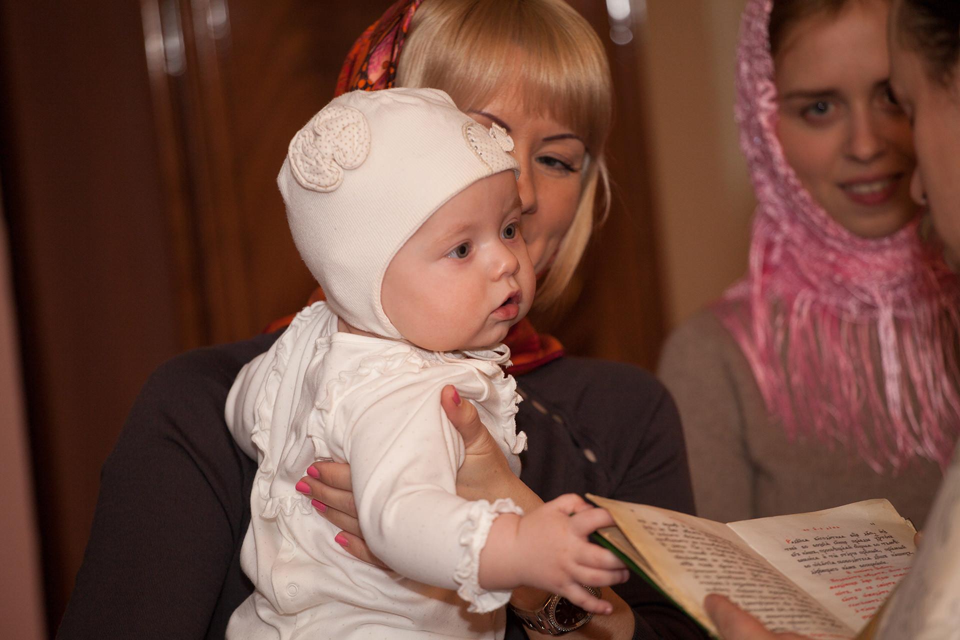 Подарки крестной мамы на крещение ребенка